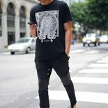 Uliczny graphic tee trend